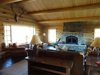 Livingroom Montana log cabin by Gonebeaver Co., Bozeman, MT